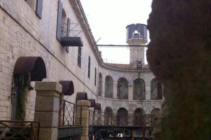 Fort Boyard 2014 : Vue partielle de la cour intérieure du Fort Boyard (23/05/2014 - A. Laborde)