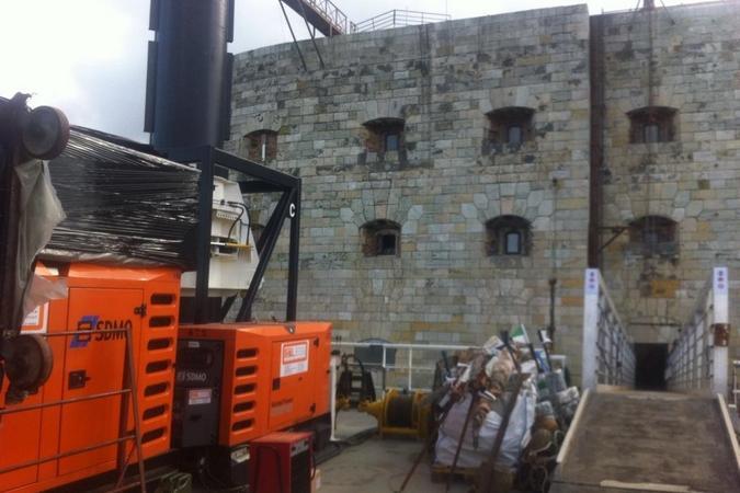 Fort Boyard 2015 : Le fort vue depuis la nouvelle passerelle (19/05/2015)
