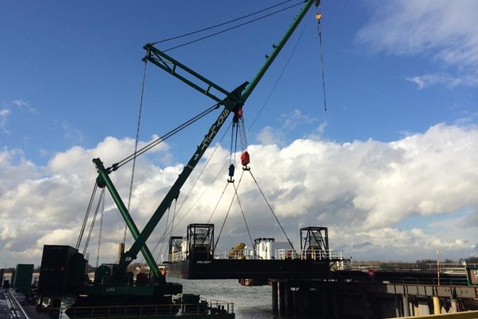 Fort Boyard 2015 - Changement de la plate-forme : Construction aux Pays-Bas (février 2015)
