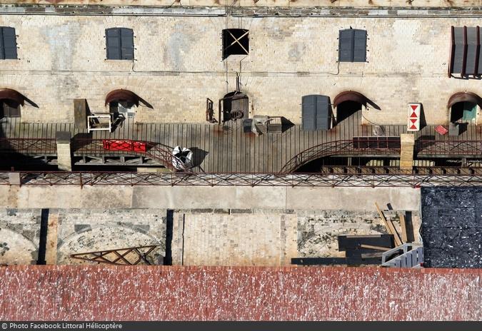Fort Boyard 2016 - Survol du fort pendant l'installation des nouveautés (24/04/2016)
