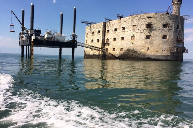 Fort Boyard 2016 - Beau temps et océan calme autour du fort (22/06/2016)