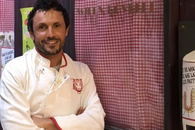 Fort Boyard 2017 - Willy Rovelli devant son restaurant (22/05/2017)