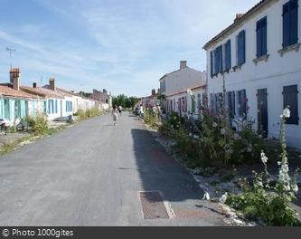 Rue typique du bourg de l'Île-d'Aix