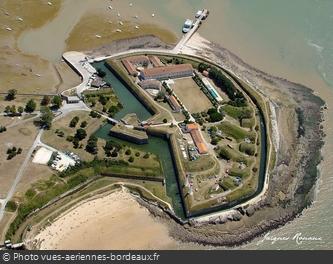 Vue aérienne du Fort de la Rade