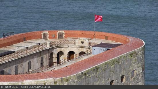 fort-boyard-octobre-rose-2013-3.png