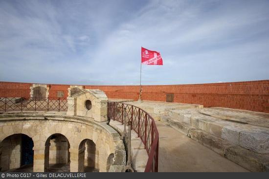 fort-boyard-octobre-rose-2013-4.png