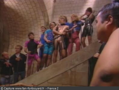 Fort Boyard 1992 : L'équipe devant la table de libération