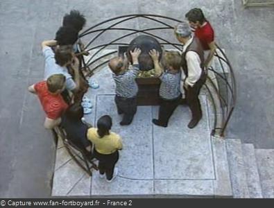 Fort Boyard 1994 : Passe-Partout et Passe-Temps versent le chaudron dans la balance