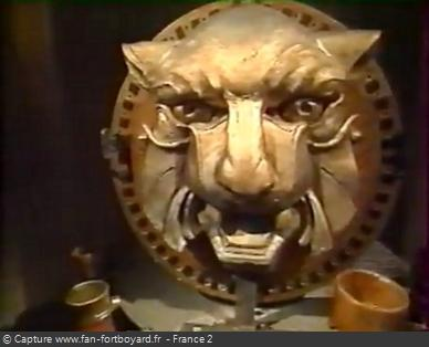 Fort Boyard 1995 - Le Conseil s'ouvre et avec lui un nouvel univers mystérieux autour des têtes de tigres et du temps
