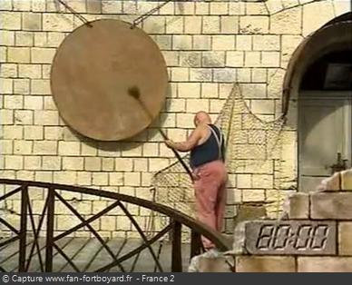 Fort Boyard 1995 : La Boule sonne le gong