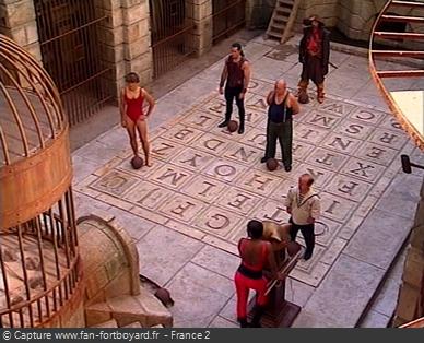 Fort Boyard 1996 : Saynète d'introduction avec les personnages dans la Salle du Trésor