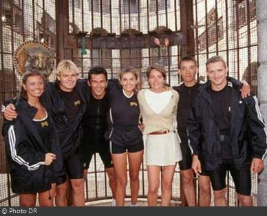 Fort Boyard 1997 - Équipe 2 - Véronika Loubry (05/07/1997)