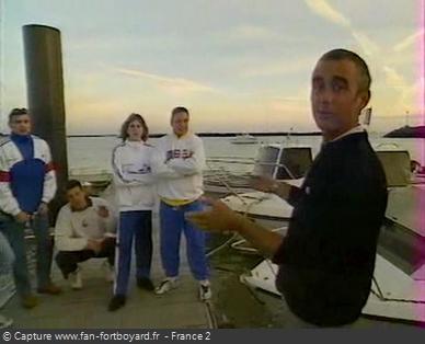 Fort Boyard 1998 - Le coach entraîne son équipe sur le continent la veille au soir du tournage