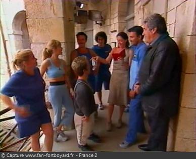 Fort Boyard 2001 : L'émission commence directement devant la porte d'une cellule