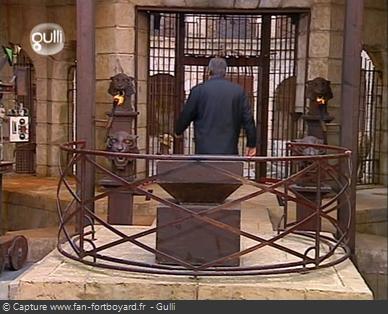 Fort Boyard 2002 : Jean-Pierre CASTALDI ferme l'émission seul et quitte le fort sur une saison en baisse d'audiences