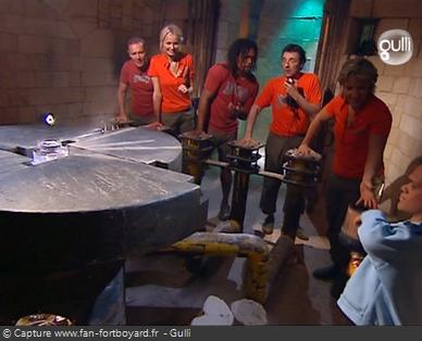 Fort Boyard 2006 : L'équipe dans la Salle des Empreintes pour récupérer le Cristal