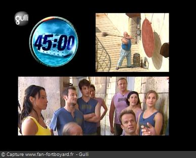 Fort Boyard 2007 : Le jeu démarre avec le coup de gong devant la première cellule