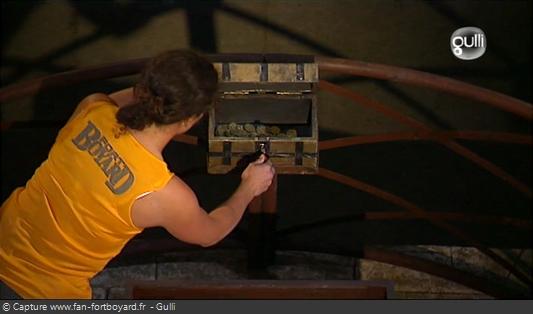 Fort Boyard 2008 : Tentative d'ouverture du coffret du Code Couleurs contenant des Boyards supplémentaires