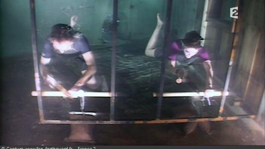 Fort Boyard 2010 : Etape 2 du Relais-arbalète : Le sciage sous-marin avec le candidat-plongeur