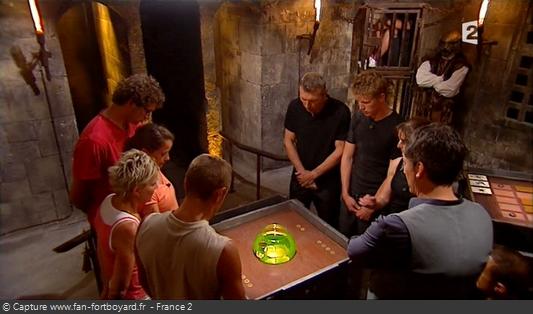Fort Boyard 2010 : Les duels sont jouées, 1 contre 1, 2 contre 2, 3 contre 3, etc (Aquarium)
