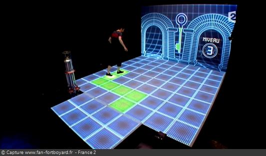 Fort Boyard 2011 : La nouvelle épreuve de la Cellule interactive avec Luciole (exemple jeu du Chemin)