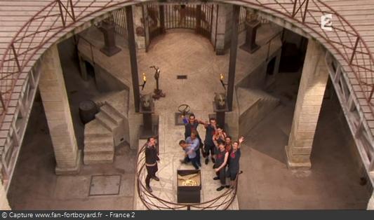 Fort Boyard 2011 : Olivier Minne termine l'émission depuis la pesée avec les candidats