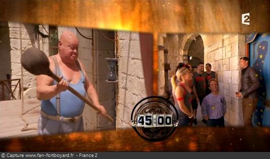 Fort Boyard 2012 : Le jeu démarre avec le coup de gong devant la première cellule