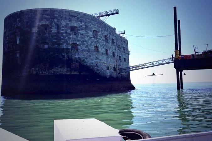 Fort Boyard 2013 : Arrivée sur Fort Boyard toujours aussi magique (05/06/2013)