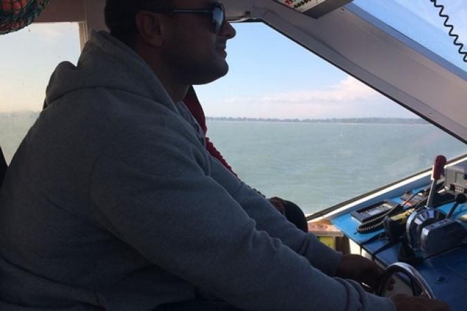 Fort Boyard 2014 : Mister Boo est aussi capitaine du bateau ! (30/05/2014 - C. André)