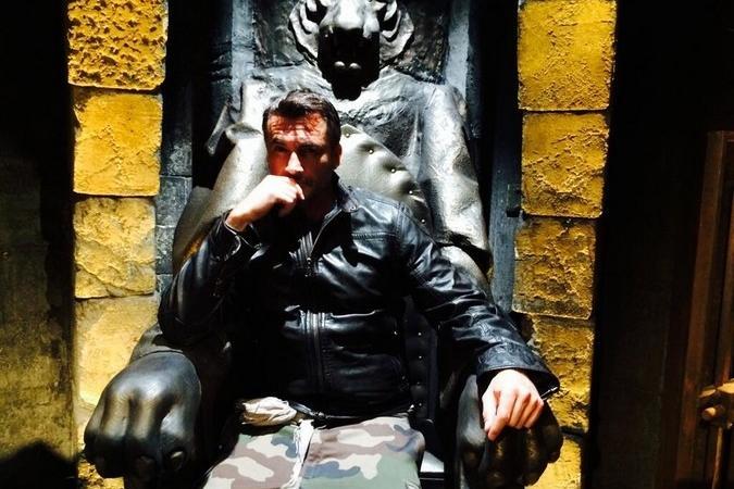 Fort Boyard 2014 : Olivier MINNE sur le trône du Père Fouras au Conseil (28/06/2014)