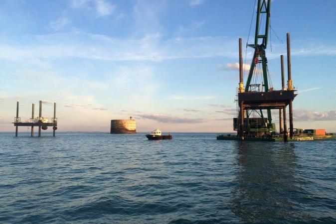 Fort Boyard 2015 - Changement de la plate-forme : Départ de l'ancienne (17/03/2015)