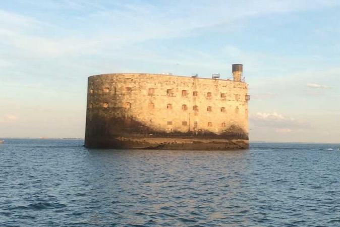 Fort Boyard 2015 - Changement de la plate-forme : Le Fort sans plate-forme (17/03/2015)