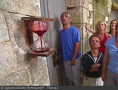 Une clepsydre rouge en 2003