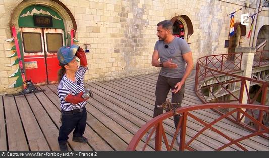 Fort Boyard 2017 : Olivier Minne ouvre l'émission depuis un lieu du fort et avec les personnages
