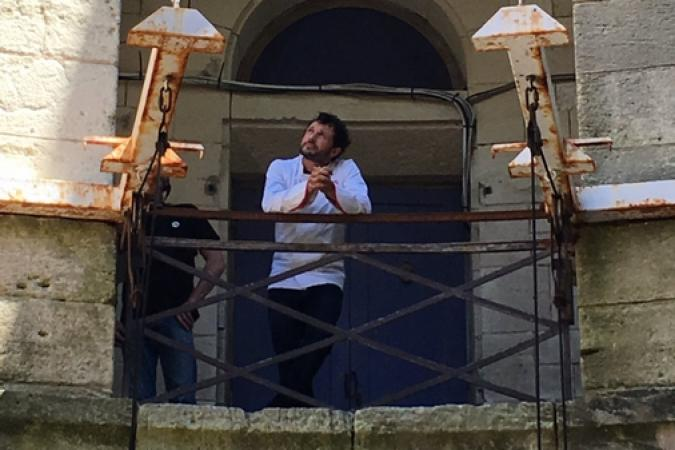 Fort Boyard 2017 - Willy Rovelli attend les candidats ! (02/06/2017)