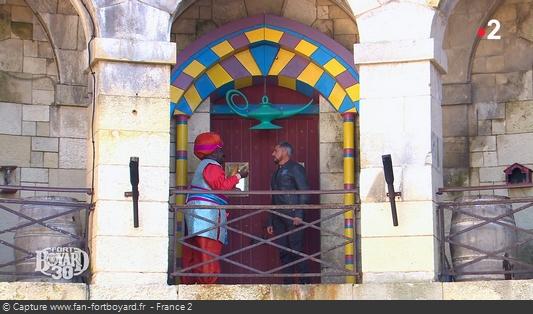 Fort Boyard 2019 : Olivier Minne ouvre l'émission depuis un lieu du fort et avec les personnages