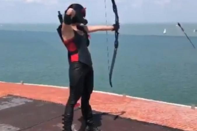 Fort Boyard 2019 - Delphine Wespiser tourne une séquence en mode Rouge (22/05/2019)
