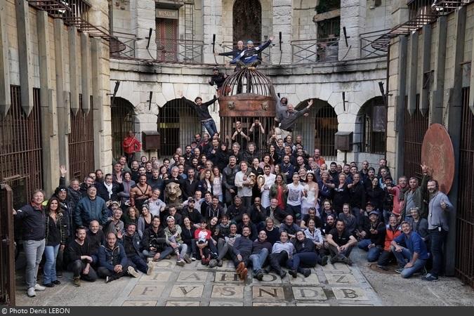 Fort Boyard 2019 - Photo de famille des équipes de tournages (24/05/2019)