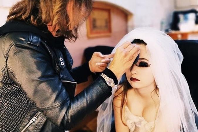 Fort Boyard 2019 - Pauline Gosalbez au maquillage pour jouer la Femme coupée (après les tournages)