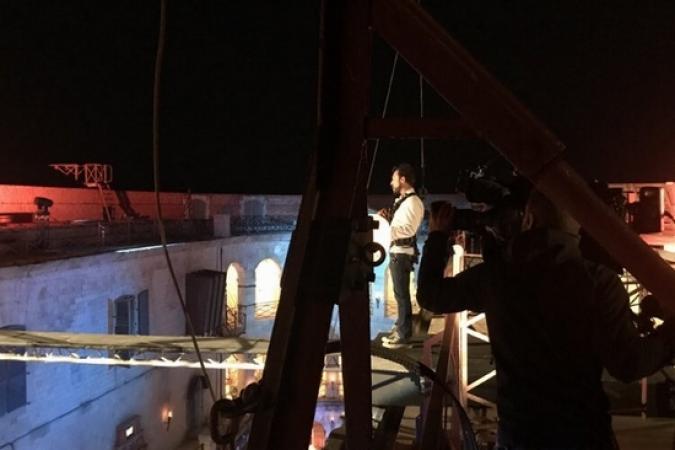 Fort Boyard 2019 - Le Chef Willy sur la poutre des Cotons-tiges aériens (après les tournages)
