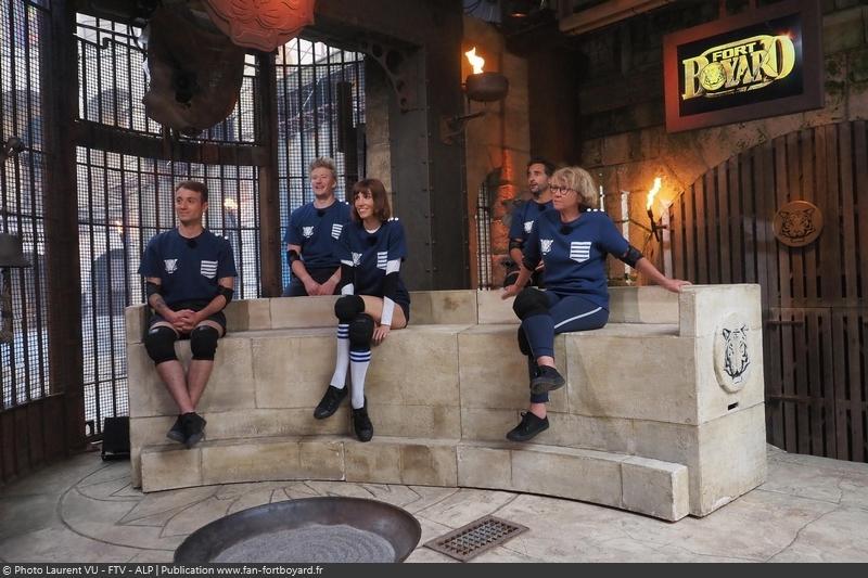 [Spoilers] Présentation > Fort Boyard 2020-04 - Matelots de la Vie (01/08/2020) Fort-boyard-2020-officielle-equipe04-25