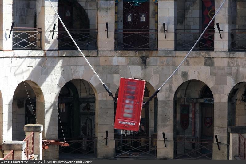 [Spoilers] Présentation > Fort Boyard 2020-10 - Fondation Maud Fontenoy (12/09/2020) Fort-boyard-2020-officielle-equipe10-28