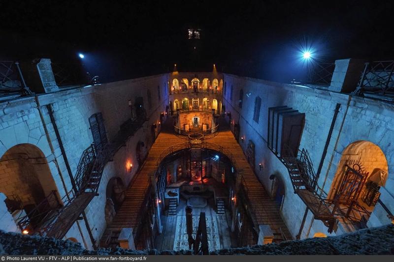 Fort Boyard 2020 - La cour intérieure de nuit