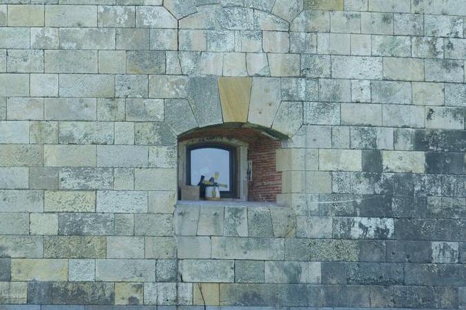 Fort Boyard 2020 - Un moulin miniature ? Un élément d'un décor en attente ? (24/05/2020)