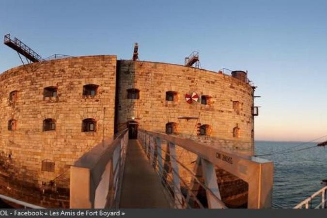 Fort Boyard 2020 - Fin de journée sur le fort, au soleil couchant (25/05/2020)