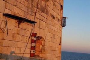 Fort Boyard 2020 - Fin de journée sur le fort, on peut voir l'aventure de la Course-poursuite (25/05/2020)