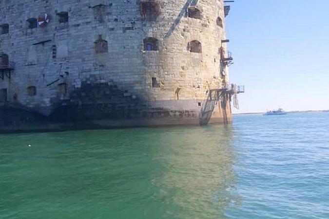 Fort Boyard 2020 - Au niveau de la Course-poursuite, deux fênetres du fort sont désormais bouchées ! (30/05/2020)