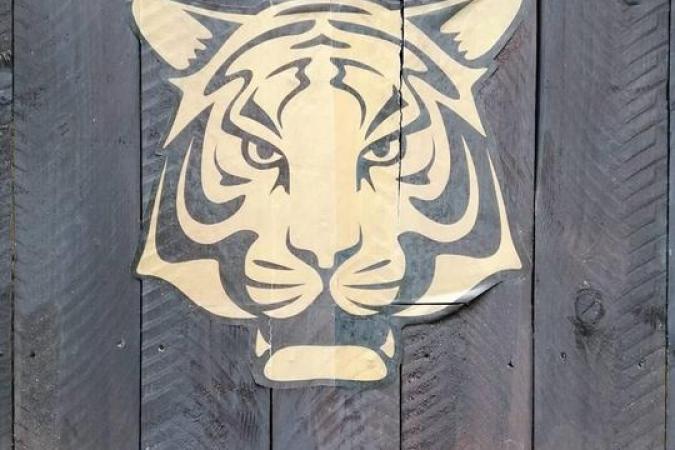 Fort Boyard 2020 - Tête de tigre sur la palissade du rez-de-cour (22/08/2020)