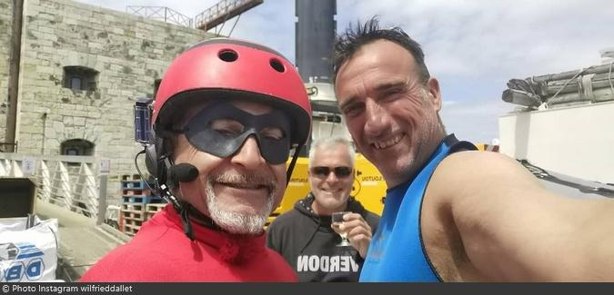 Fort Boyard 2021 - Vincent Lagaf et les cadreurs-plongeurs (20/05/2021)