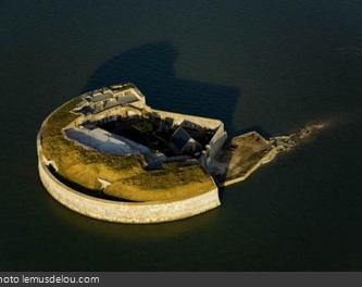 Vue aérienne du Fort Enet